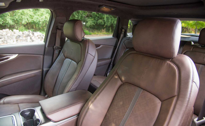 2016-Lincoln-MKX-Black-Label-Front-Seat