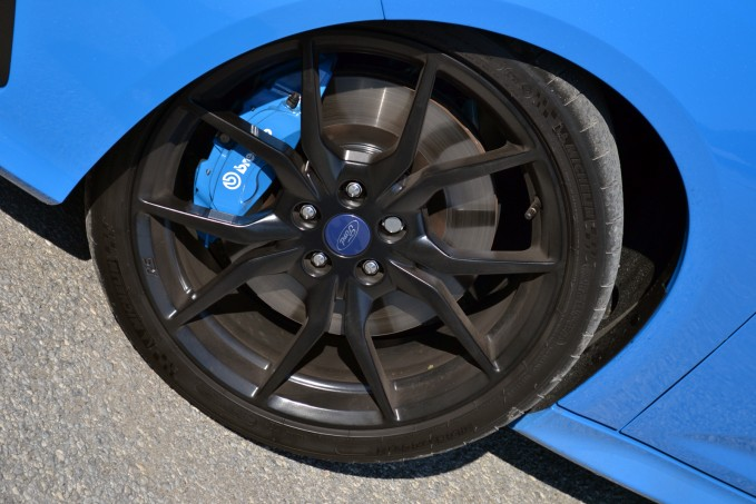 215 55r16 Tires >> 8 Things to Know Before Upgrading Your Wheels and Tires » AutoGuide.com News