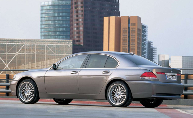 bangle-butt-bmw-7-series