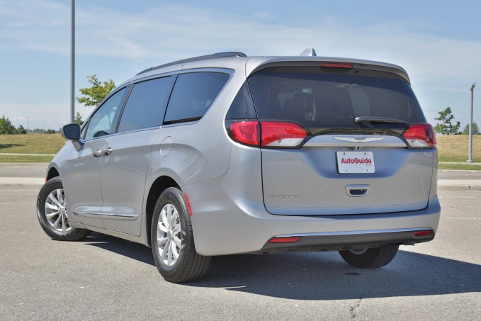 2016 Chrysler Pacifica-08