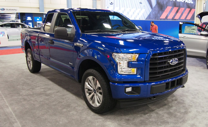 ford brings stx appearance package to f 150 super duty. Black Bedroom Furniture Sets. Home Design Ideas