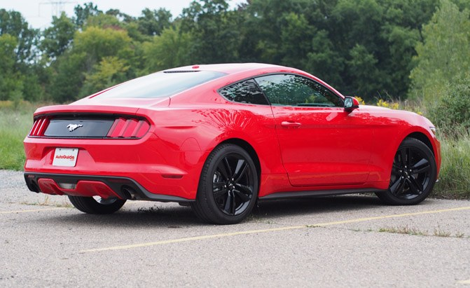 2016-Ford-Mustang-EcoBoost-Rear
