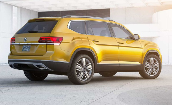 2018-Volkswagen-Atlas-Rear
