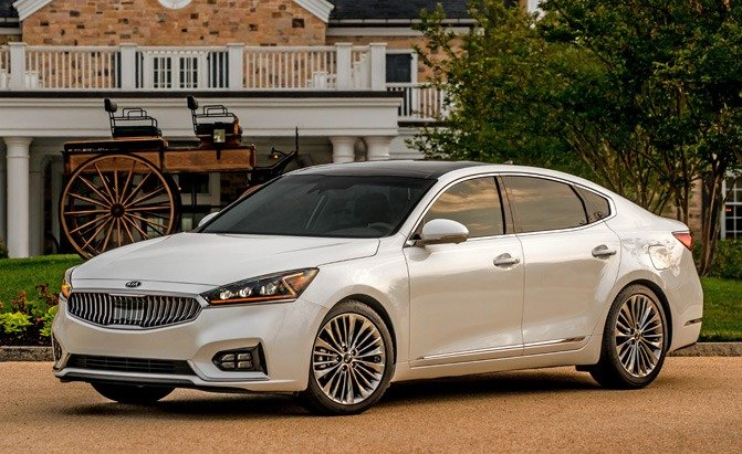 2017 kia cadenza gets lower starting price news. Black Bedroom Furniture Sets. Home Design Ideas