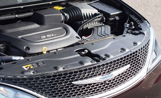 2017-chrysler-pacifica-engine