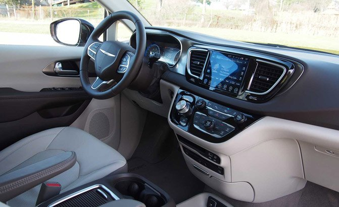 2017 Chrysler Pacifica Interior