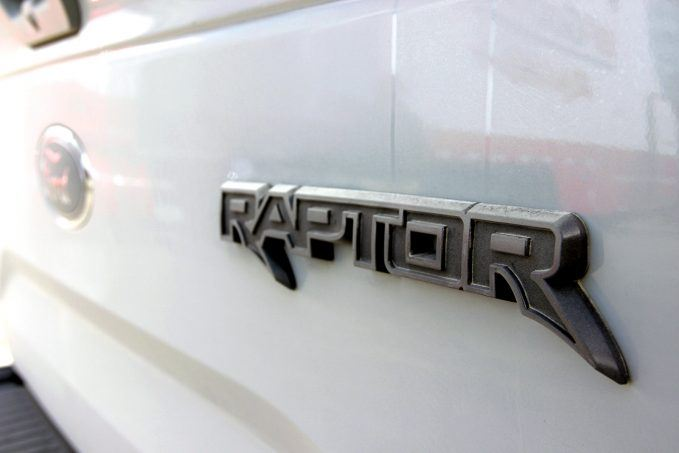 2017-ford-raptor-review14