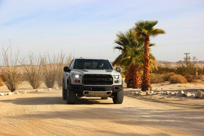 2017-ford-raptor-review15