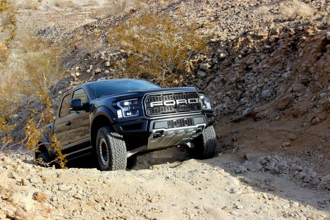 2017-ford-raptor-review17