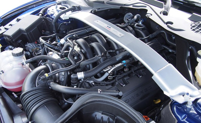 shelby-gt350-engine