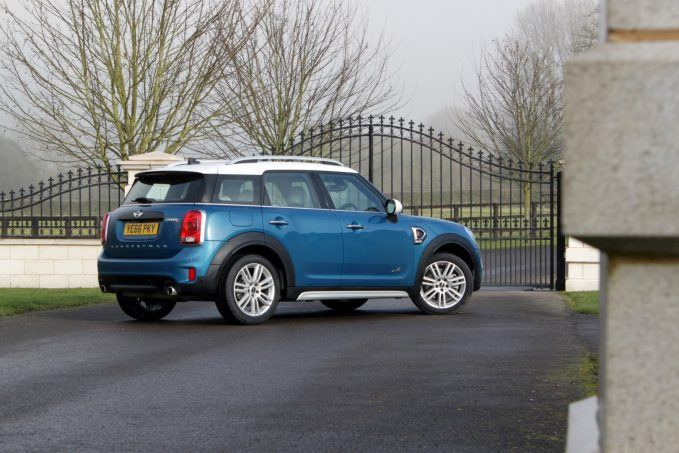 2017-mini-countryman-review-5-large