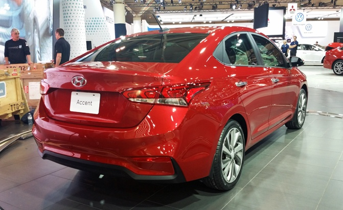 2018 hyundai elantra sedan. Interesting Sedan 2018hyundaiaccentsedanrear For 2018 Hyundai Elantra Sedan U