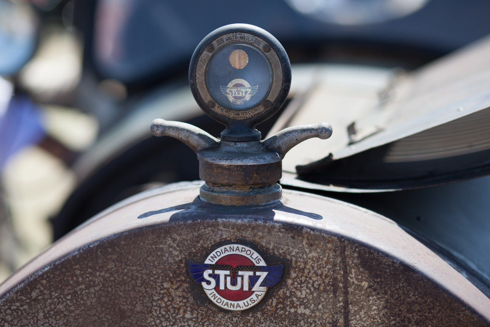 Cool hood ornaments - Designed As A Temperature Gauge These Important Pieces Of Instrumentation Got Fancier And Fancier Over Time And Eventually Became A Popular Way To