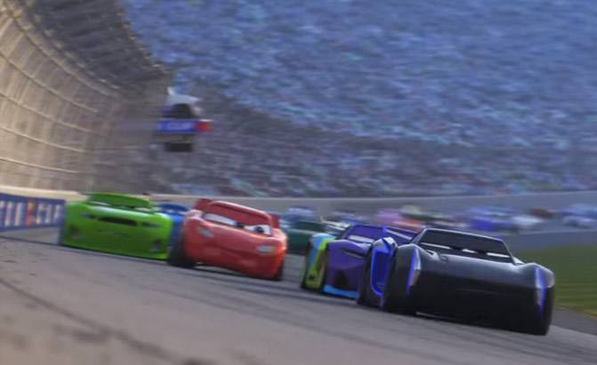 Lightning Mcqueen Isn T Ready To Give Up In Latest Cars 3 Trailer