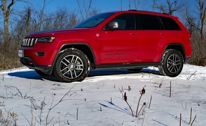 2017 jeep grand cherokee trailhawk review news. Black Bedroom Furniture Sets. Home Design Ideas