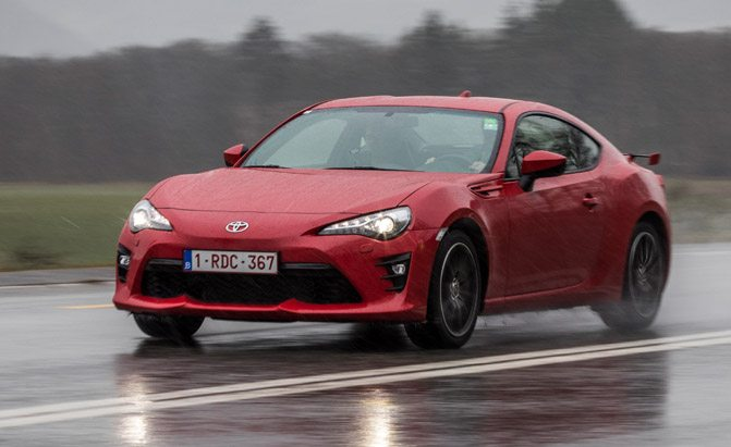 Cars That Start With S >> Top 10 Best Toyota Sports Cars Of All Time Autoguide Com News