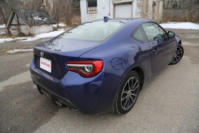 2017-toyota-86-review-1