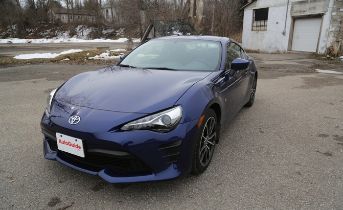 2017-toyota-86-review-main