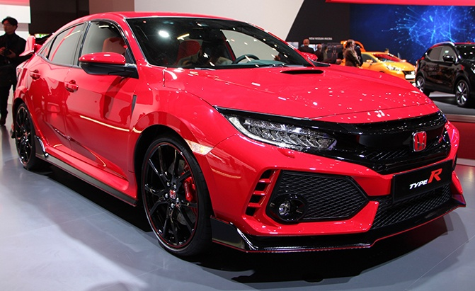 production honda civic type r finally debuts with 306 hp. Black Bedroom Furniture Sets. Home Design Ideas