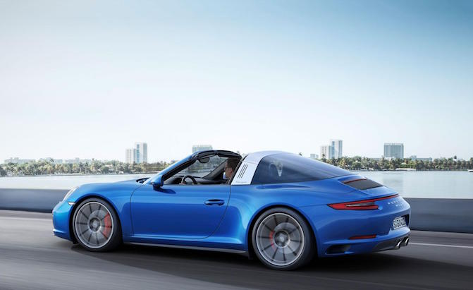 Porsche Offers Power Boost Kit For Base 911s Among Updates For 2018 Models 187 Autoguide Com News