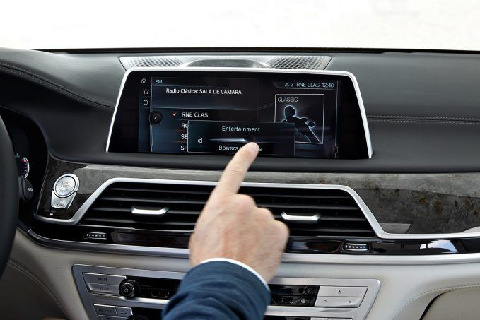 top-10-most-gimmicky-automotive-features-010