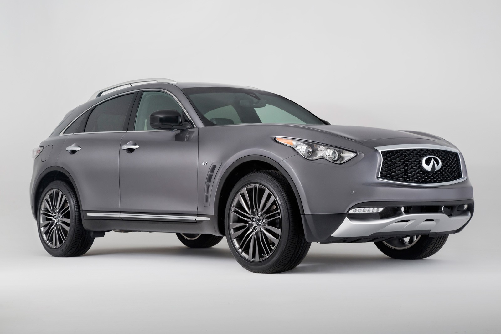 Q70 For Sale >> Top 10 Best Looking Crossovers and SUVs of 2017 ...