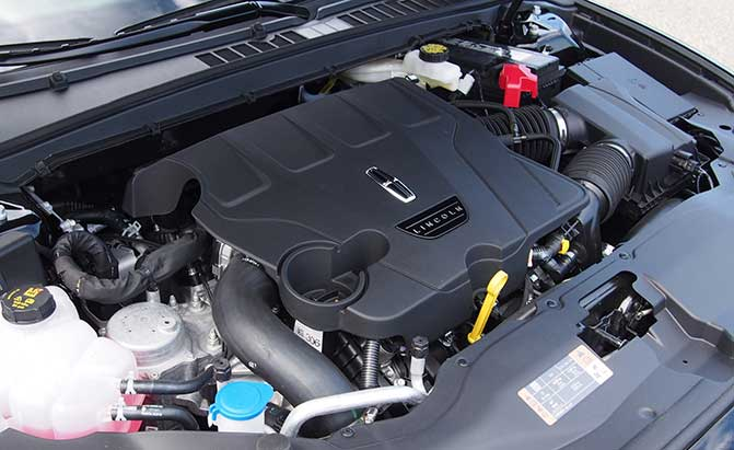 2017 Lincoln Continental Engine