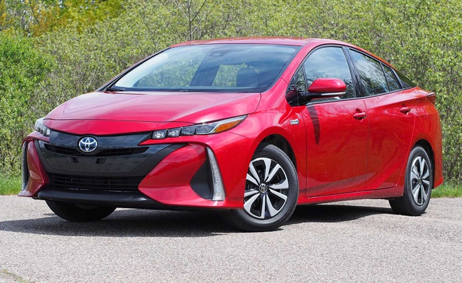Innovative 2017 Toyota Prius Prime PlugIn Review  AutoGuidecom News