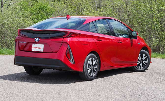 2017 toyota prius prime plug in review news. Black Bedroom Furniture Sets. Home Design Ideas