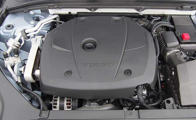 2017-volvo-s90-engine