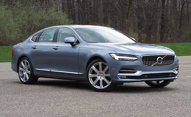 2017-volvo-s90-front-three-quarter