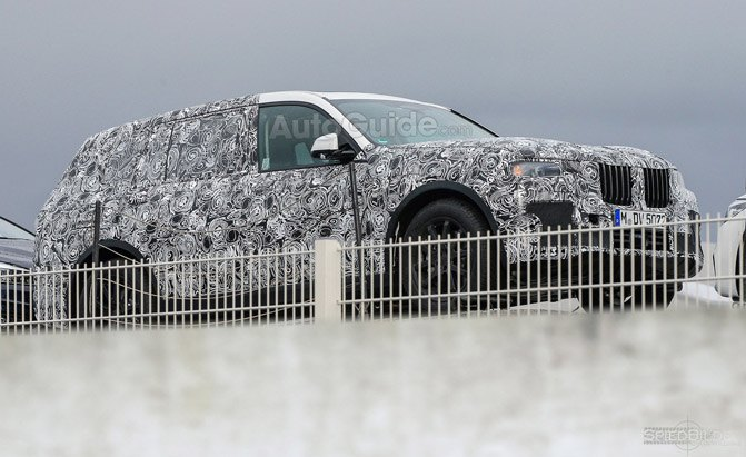BMW X7 Crossover Arrives in Early 2019