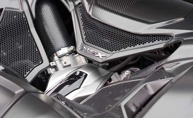 2017-acura-nsx-drag-racing-engine