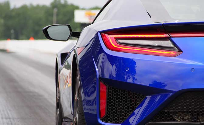 2017-acura-nsx-drag-racing-rear-fender