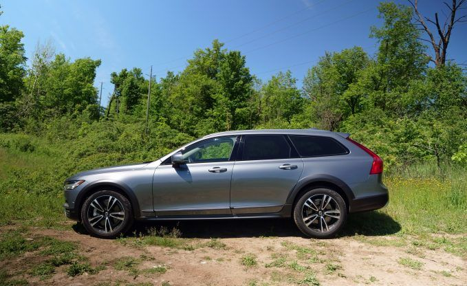 2017-volvo-v90-cross-country-16