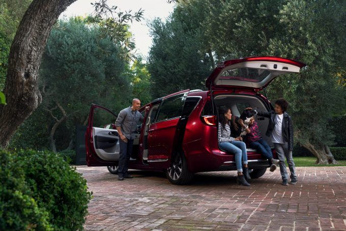 Install the Uconnect® Access app on your smartphone and optimize the Pacifica Hybrid's charging schedule to match even the busiest family schedule.
