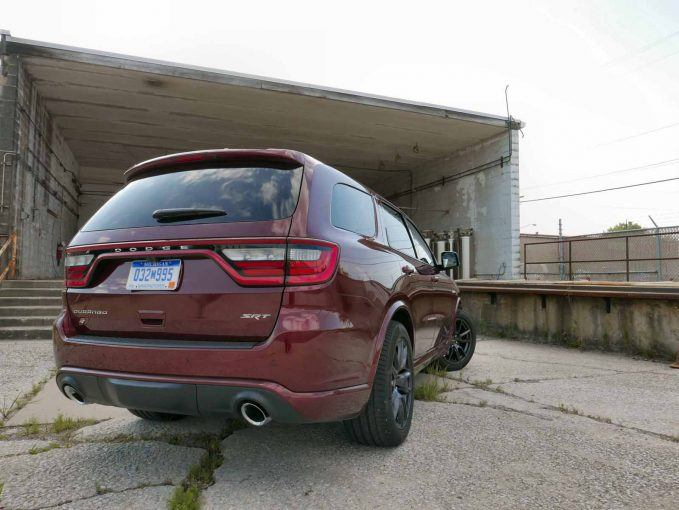 2018-dodge-durango-srt-review-010