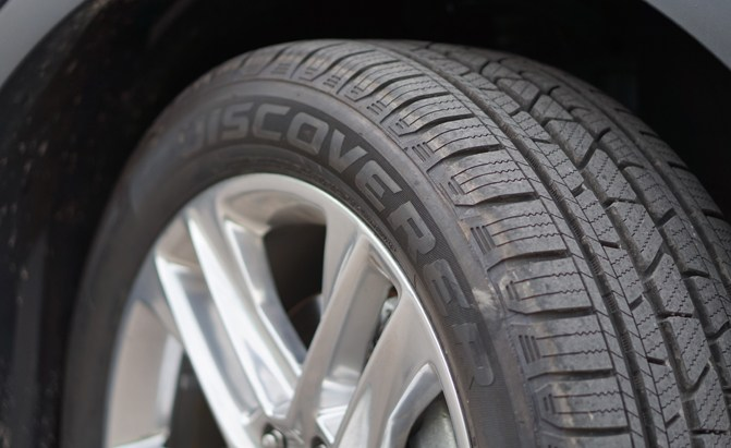 Cooper Discoverer SRX Tire Review - AutoGuide.com