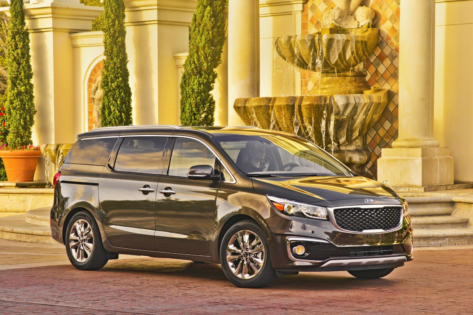 Priced from 27 850 the kia sedona is one of the most affordable new minivans available in today s market the korean automaker also has a variety of