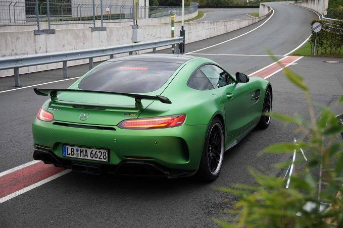2018-mercedes-amg-gt-review-112