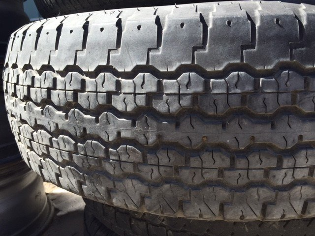 How do you know if you need to buy new tires? Here are 7 easy ways to tell.