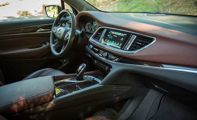 2018 buick enclave review gm inside news for Buick enclave interior pictures