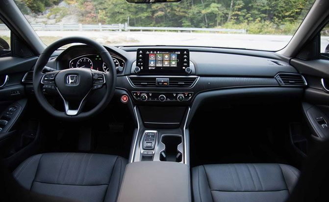 2018-honda-accord-2-0-turbo-touring-interior