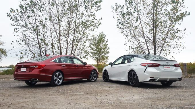 2018 honda accord vs toyota camry comparison autoguide for Honda accord vs toyota camry 2017