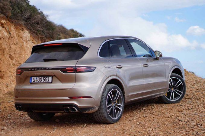 2019-porsche-cayenne-review-lai-14