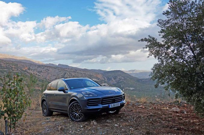 2019-porsche-cayenne-review-lai-2