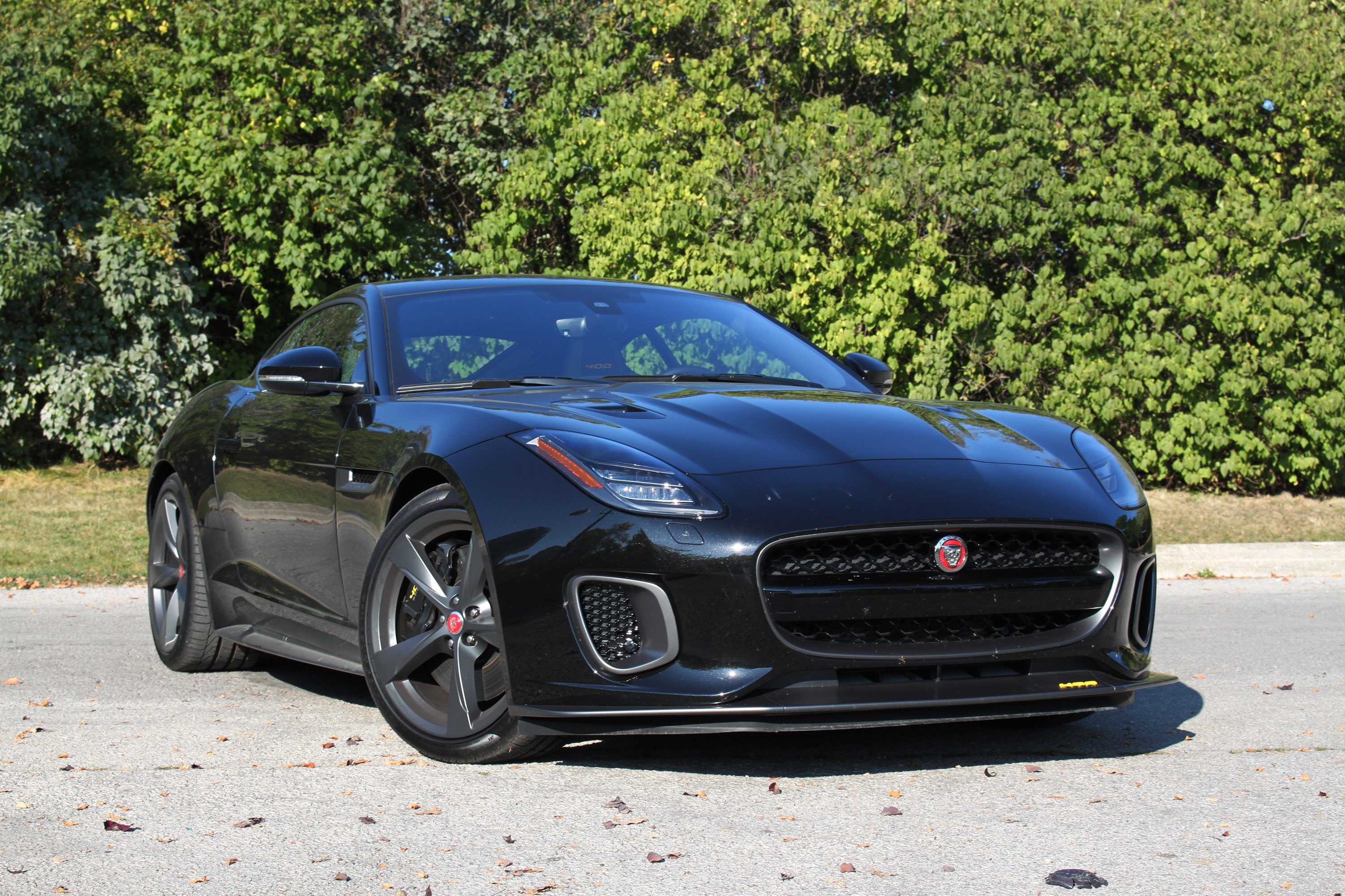 2018 jaguar f type svr and 400 sport review autoguide. Black Bedroom Furniture Sets. Home Design Ideas