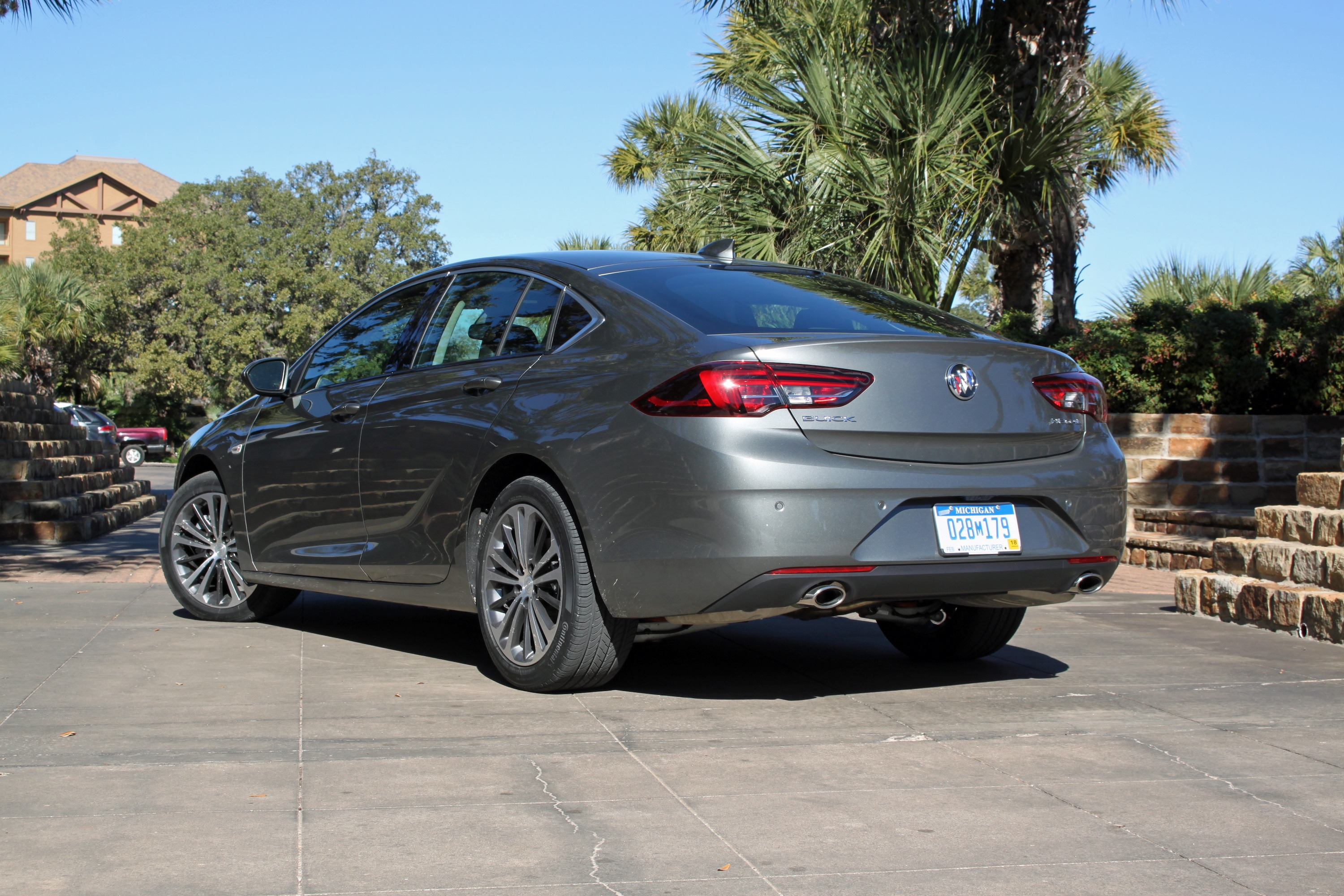 2018 Buick Regal Sportback Review - AutoGuide.com