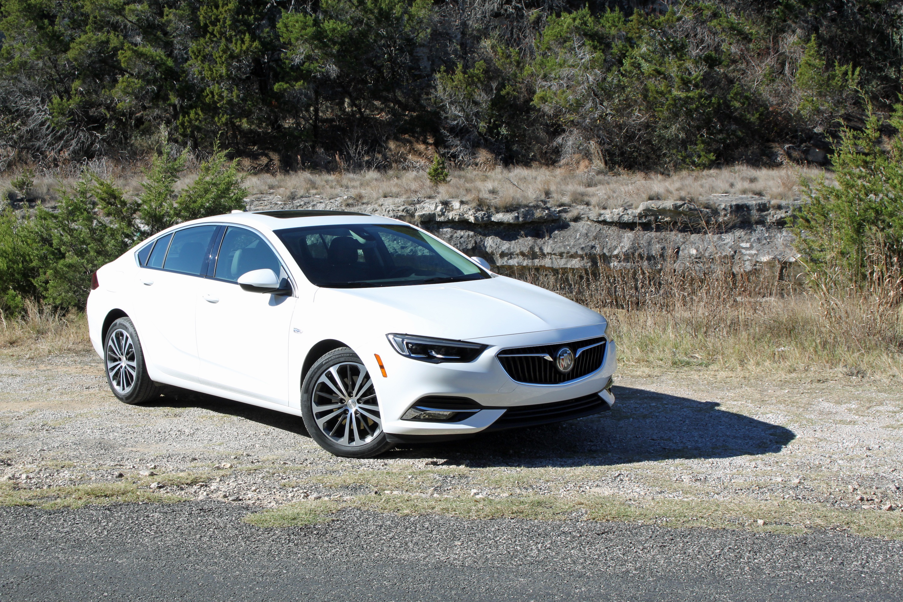 2018 Buick Regal Sportback Review Autoguide Com