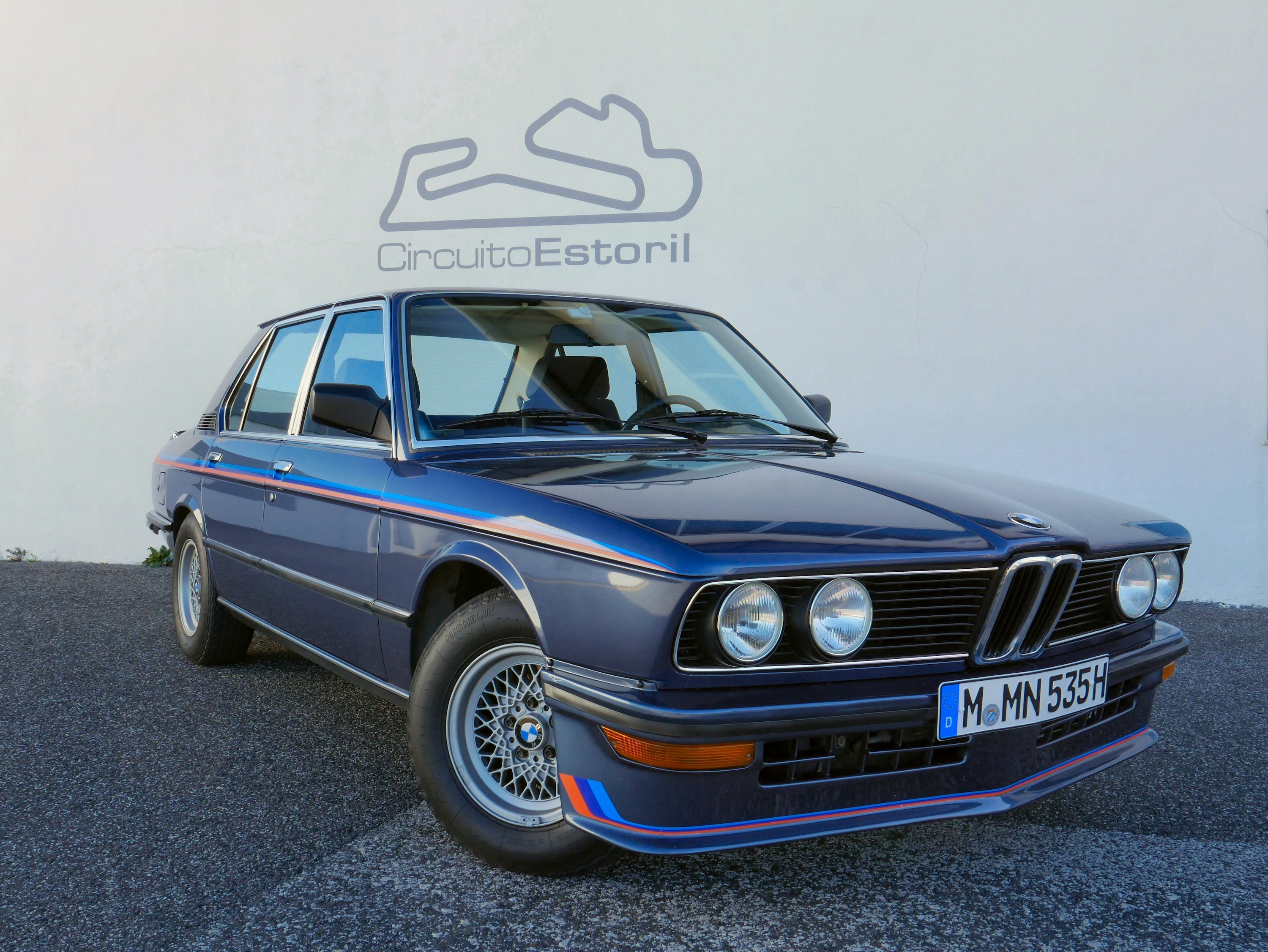 M5 Inception We Drive Each Generation Of Bmw Back To 5 Series E12 M5s Together M535i 01